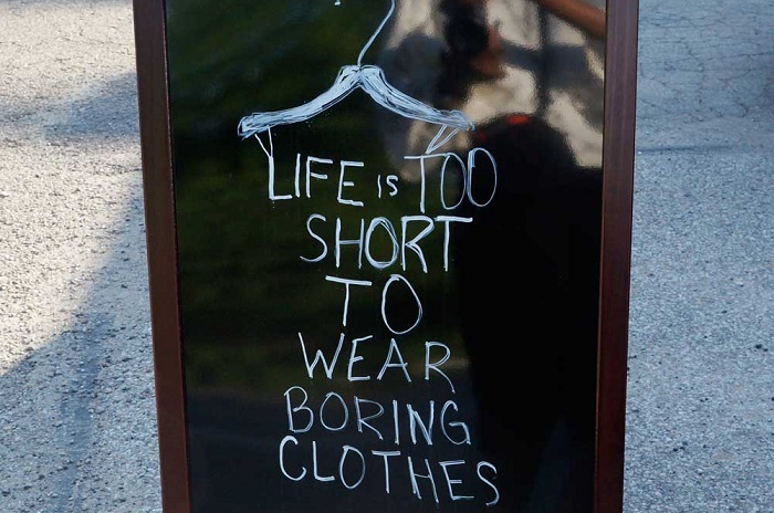 living-here-shop-sign